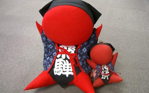 Making Sarubobo doll